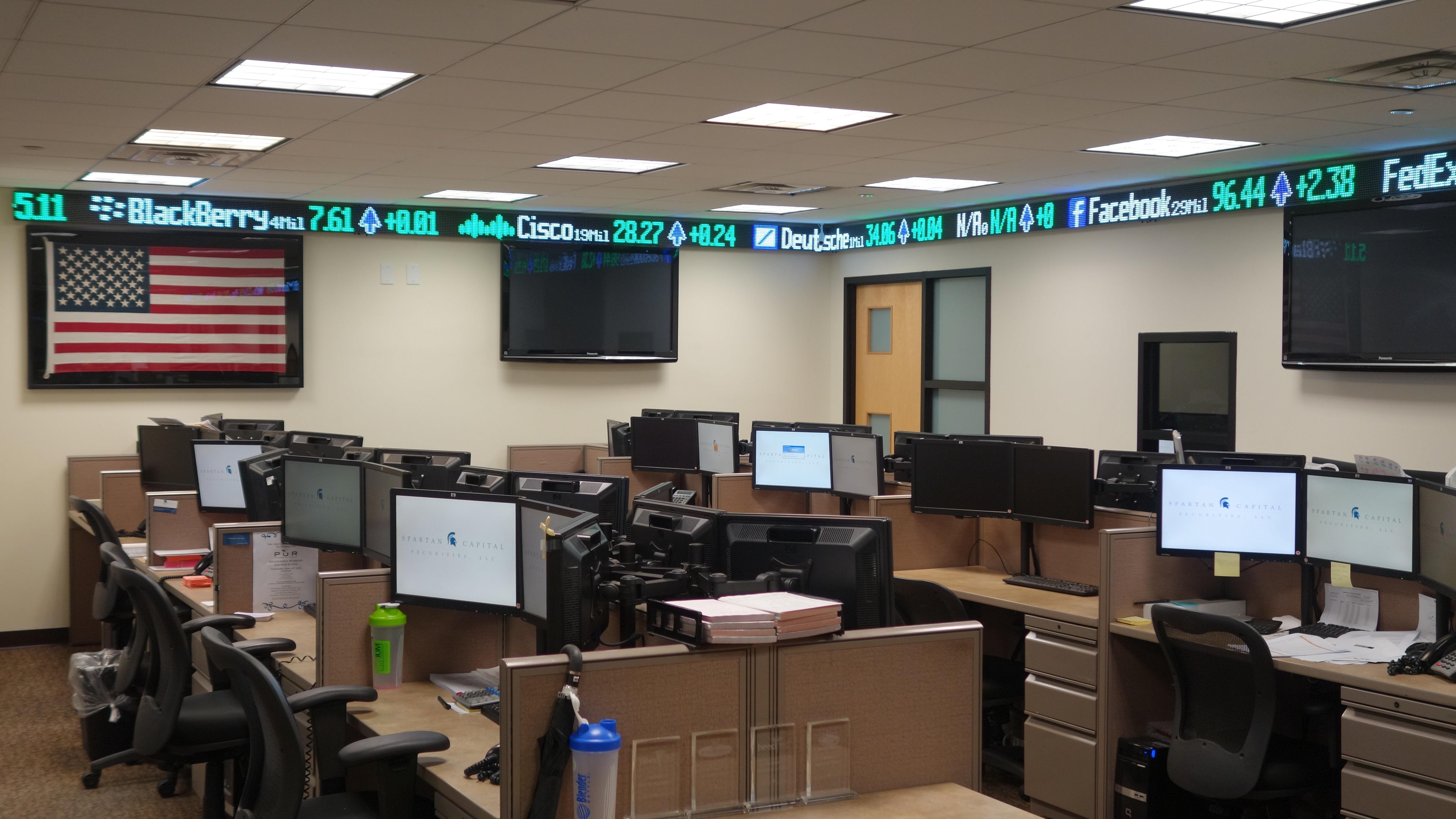 10-digital-financial-led-stock-ticker-tape-photonplay-1.jpg